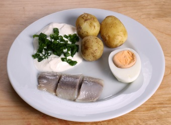 Midsummer_pickled_herring