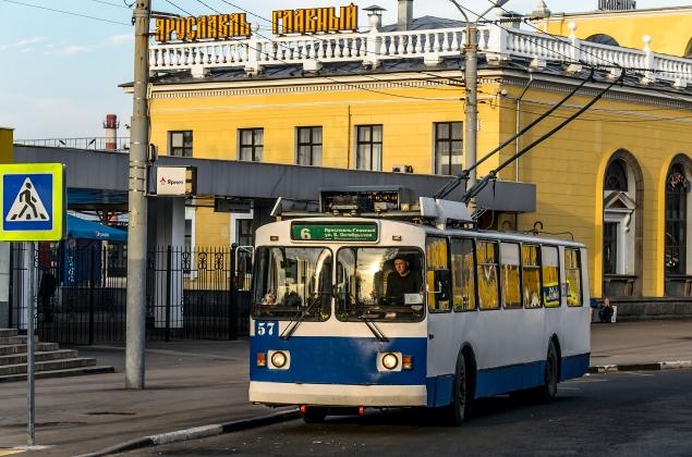 trolleybus_ziu-682g_in_yaroslavl_01